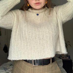 soft cream colored aerie sweater